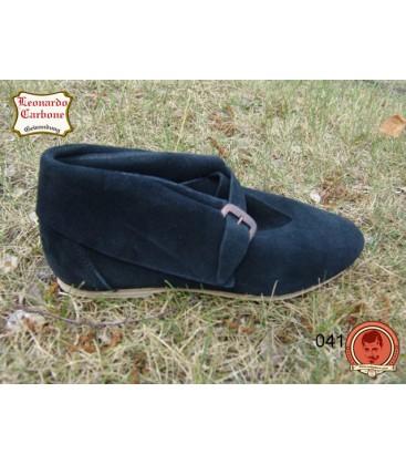 Zapatos medievales con suela de cuero
