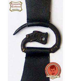 Broche de metal dragón con cuero