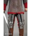 Perneras de acero del Siglo XIV - Acero Pulido